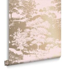 Papier Peint Meadow Or Rose Pink And Gold Wallpaper, Rose Gold Wallpaper, Green Wallpaper, Home Wallpaper, Brown And Gold Living Room, Gold Drawing, Living Room Decor Fireplace, Couleur Or Rose, Sitting Room Decor