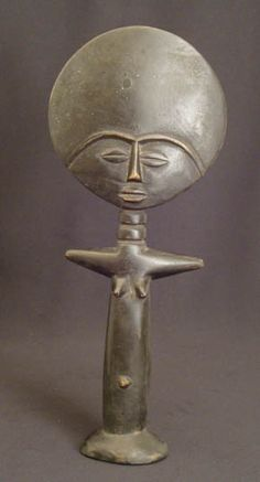 Akuaba doll Ethnic Group: Asante Country of Origin: Ghana, Africa African Dolls, African Masks, Ghana, Fertility Symbols, Compost Tea, Art Africain, African Diaspora, Indigenous Art, African Culture