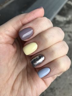 25 cute nail designs you need to copy immediately 00133 Gelish Nails, Manicure And Pedicure, Get Nails, Hair And Nails, Minimalist Nails, Nagel Gel, Cute Nail Designs, Simple Nails, Swag Nails