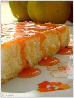 Adı üzerinde çizkek peynirli kek , içerisine krem peynir,lor ,yoğurt ,labne ekleyerek yapmak mümkün.Aslında kültür olarak yabancı olsak da, bu tarif tat olarak severek yiyebileceğimiz kek ve pasta arası güzel bir tatlı… Tart hamuru için: 100 gr tereyağ veya margarin(oda sıcaklığında) 1 kahve fincanı sıvıyağ 1 kahve fincanı pudra şekeri 1 yumurta 1 çay kaşığı …