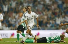 Best Football Team, Real Madrid, Running, Sports, Racing, Hs Sports, Keep Running, Sport, Jogging
