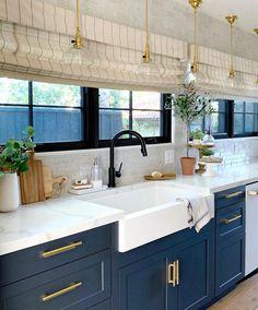 Diy Kitchen Remodel, Home Decor Kitchen, Interior Design Kitchen, New Kitchen, Home Kitchens, Kitchen Logo, Modern Kitchen Interiors, Galley Kitchens, Elegant Kitchens
