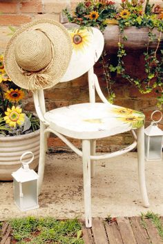 How about giving a new face to the old garden chairs using various craft techniques? If you decorate old garden furniture with the decoupage technique, you Decoupage Furniture, Art Deco Furniture, Recycled Furniture, Refurbished Furniture, Farmhouse Furniture, Colorful Furniture, Furniture Projects, Rustic Furniture, Garden Furniture
