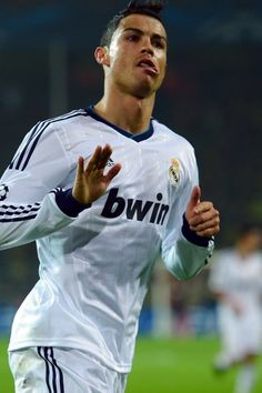 cristiano ronald from real madrid champions league celebration for Iphone Iphone Iphone Plus Phone case Cristiano Ronaldo Haircut, Ronaldo Juventus, Ronaldo Football Player, Football Players, Manchester United, Real Madrid Champions League, Cristiano Ronaldo Wallpapers, 6s Plus, Soccer