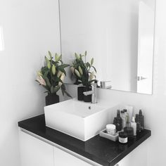 Bathroom florals http://www.instagram.com/rachelaust