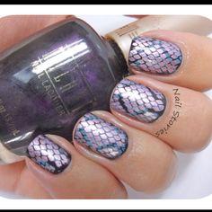 Snakeskin inspired nail art nailstories.co.uk