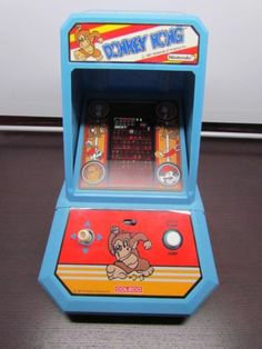 Vintage 1981 Coleco Donkey Kong Mini Tabletop Arcade Game by Nintendo - Superb $199.99