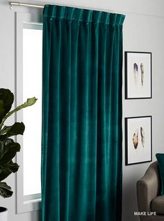Simons Maison exclusive Available in the season's trendiest colours, this popular soft material will add luxurious elegance to your decor. Velvet Curtains Bedroom, Living Room Decor Curtains, Bedroom Decor, Emerald Green Curtains, Turquoise Curtains, Rideaux Design, Custom Drapes, Curtain Designs, Curtains With Blinds