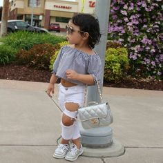 Pin de nilva dornella em moda infantil девочка, дети e детские. Baby Girl Fashion, Toddler Fashion, Kids Fashion, Baby Girl Shoes, Cute Baby Girl, Cute Twins, Cute Babies, Family Outfits, Kids Outfits