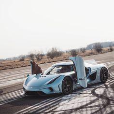 Аwesome Koenigsegg Regera #koenigsegg #koenigseggregera #showcar #sportcars #supercars #awesomecars #awesome #racing #racecar #race #mydriftfun