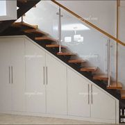 Risultati immagini per como aprovechar placard bajo escalera Home Stairs Design, Home Room Design, House Design, Closet Under Stairs, Under Stairs Cupboard, Living Room Partition Design, Room Partition Designs, Staircase Storage, Stair Storage
