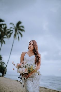 Look how stunning this Hawaii boho bride was at her beach elopement in Oahu, Hawaii. I loved her lace wedding dress, long natural bridal hair, beach bridal makeup, and romantic wedding florals | photography by Anela Benavides Photography Natural Bridal Hair, Bridal Hair And Makeup, Whimsical Wedding Inspiration, Elopement Inspiration, Maui Wedding Photographer, Wedding Photography, Wedding Groom, Wedding Hair, Floral Wedding