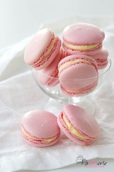 Macarons maken bij The Real Macaron Company Apple Tea Cake, Cinnamon Tea Cake, Lemon Tea Cake, Macarons, Chocolate Tea Cake, High Tea Food, Afternoon Tea Cakes, Almond Tea, Homemade Tea