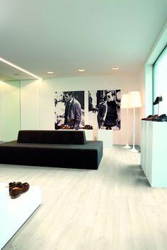 Aquastep vízálló laminált padló Több mint 15-féle színárnyalat, fahatású és kőhatású termékek, egyaránt megtalálhatóak a kollekcióban. Ha vízállóságot szeretnél hideg érzet nélkül, akkor válaszd az Aqustep vízálló meleg burkolatot, amely élvezetesebbé teszi mindennapjaidat.   www.dreamfloor.hu