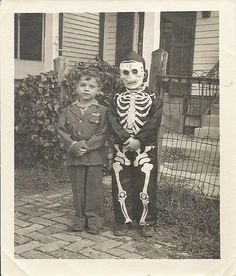 Halloween kids by pizzamyheart on Flickr.