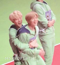 Sehun lifted Luhan up after finding out Luhan won second for hurdles -2 #Hunhan (gif)