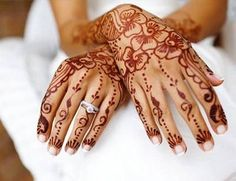 There are many types of mehndi patterns girls here. Mehndi or Henna Designs are different for different occasions. Like Mehndi Designs for. Eid Mehndi Designs, Bridal Henna Designs, Mehndi Designs For Hands, Mehndi Tattoo, Henna Tattoo Designs, Tattoo Art, Flor Henna, Red Henna, Indian Henna