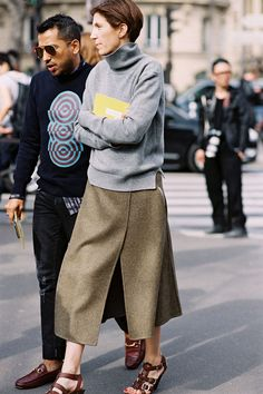Before Miu Miu, Paris, March 2015.     The beauty (and simplicity) of grey and brown.     Recreate her look (kind of):     Grey tur...