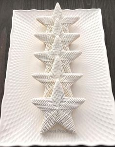 Winter Stars | Sweet Prodigy by Sweet Prodigy - http://cakesdecor.com/cakes/265858-winter-stars-sweet-prodigy