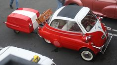 Fun for sure, but the ultimate driving machine? BMW Isetta with matching trailer. Tiny Trailers, Small Trailer, Car Trailer, Camper Trailers, Velo Vintage, Vintage Cars, Vintage Models, Scooter Moto, Quad