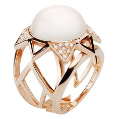 Mimata - Rose gold Crown ring with moonstone and white diamonds. Photo courtesy press office