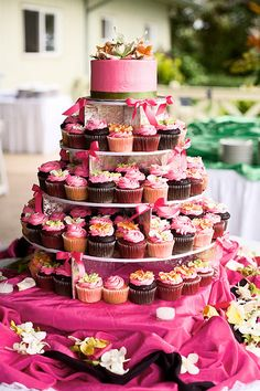 cupcake wedding cakes houston tx and the city cake cakes cupcakes amp pop cakes 13174