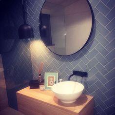 #mirror #sleak #unique #sink #bowlbasin #washbasin #bathroom #amazingdesign…