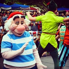 Mr Smee was always my favourite pirate!   #mrsmee #neverland #pirate #peterpan #captainhook #secondstartotheright #soundsationalparade #mainstreetusa #Disneyland #disneylife #disneyside #disneypics #instadisney #disneygram #travel #adventure #Disneyparks #disneyobsessed #Anaheim #California #mickeymouse #waltdisney #60thanniversary #diamondcelebration #diamondanniversary by disneylifepics