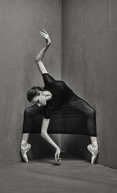 Svetlana Zakharova. Freeze frame by Russian photographer Vladimir Fridkes
