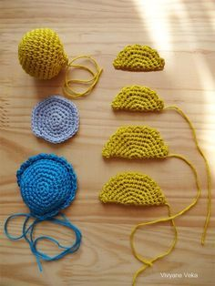 The tutorial of my little crocheted turtle! (As I already told you in my first article about her, it is largely inspired by that of Pica-Pa … Source by corinnefialeix Crochet Amigurumi, Amigurumi Doll, Crochet Toys, Free Crochet, Knit Crochet, Crochet Motifs, Crochet Patterns, Converse En Crochet, Crochet Patron