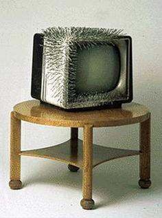 Günther Uecker, «TV 1963», 1963 Photograph: Skulpturenmuseum Glaskasten Marl | © Günther Uecker