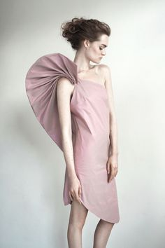 """Sculptural Fashion - 3D sculpted sleeve detail with dimensional pleating; wearable art // """"The Fragile Formation,"""" Maryam Kordbachen"""