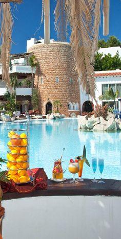 Amazing Snaps: Hotel Hacienda Na Xanena, Ibiza | See more drinks are ready melting mermaid