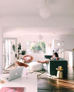 A Modern Apartment Living Room: Home and Interior – Get Yourself a Stylish Living Room That's Fun Home Interior, Interior Design, Living Room Decor, Living Spaces, Piece A Vivre, Home And Deco, Apartment Living, Apartment Therapy, Bohemian Apartment