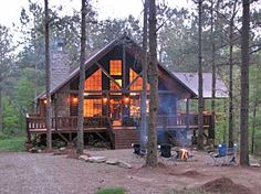 We've stayed in this area in similar cabins...Broken Bow, OK. Beautiful. But I particularly like this cabin.
