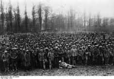 Bundesarchiv_Bild_183-S30568,_Westfront,_portugiesische_Kriegsgefangene.jpg