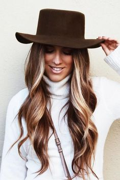 Are you looking for dark winter hair color for blondes balayage brunettes? See our collection full of dark winter hair color for blondes balayage brunettes and get inspired! Winter Hairstyles, Pretty Hairstyles, Hairstyles 2018, Hat Hairstyles, Hairstyle Ideas, Stylish Hairstyles, Simple Hairstyles, Homecoming Hairstyles, Christmas Hairstyles