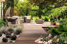 Garden Spaces, Balcony Garden, Patio Trees, Sloped Garden, Garden Furniture Sets, Backyard Projects, Backyard Ideas, Garden Ideas, Nice Backyard
