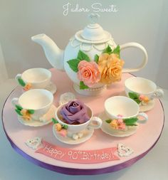 3d Teapot Cake And Edible Teacups I Just Love The Meaning Behind This Cakethe Teapot Represented The Birthday Girl Turning 90 And Each Tea
