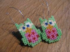 øreringe med forårsfriske ugler - Earrings owls hama perler by Moster G.