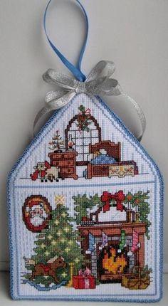 Mini Cross Stitch, Beaded Cross Stitch, Cross Stitch Embroidery, Christmas Sewing, Christmas Cross, Diy Christmas Ornaments, Cross Stitch Designs, Cross Stitch Patterns, Cross Stitch Finishing