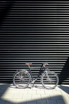 Schindelhauer Friedrich – Urban Bike with Gates Carbon Drive, Shimano Alfine, Supernova Lighting, Brooks B17 © unhyped.de