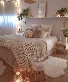 Gefllt 15 4 tsd mal 40 kommentare cozy home shots cozyhomeshots auf hi everyday is like christmas at sandradeco__sweet_homes cozy bedroom a cozy evening to every best fall candles for 2019 that add coziness Cute Bedroom Ideas, Room Ideas Bedroom, Home Decor Bedroom, Bedroom Inspo, Decor Room, Boho Teen Bedroom, Girl Bedroom Designs, Cute Teen Bedrooms, Bedroom Inspiration Cozy