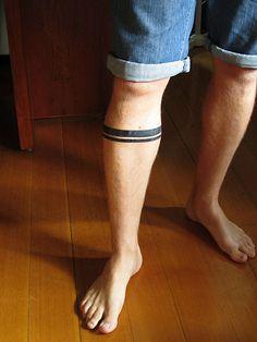 Qué significan varias franjas/bandas negras en el antebrazo? - ZonaTattoos