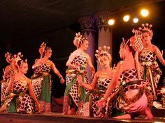 Traditional Central Java Dance