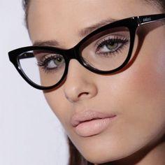 d0587d893 SEMPRE NA MODA: MAQUILHAGEM PARA QUEM USA OCULOS! Óculos Gatinho, Oculos De  Sol