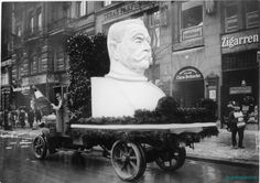 Hindenburgkopf auf einem Lastwagen als Wahlpropaganda zur Reichspräsidentenwahl 1925 in Berlin