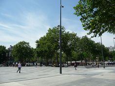 La nouvelle place de la République (Paris) http://www.pariscotejardin.fr/2013/06/la-nouvelle-place-de-la-republique-paris/