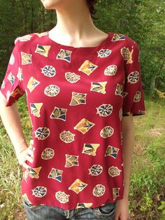 90s Woman's Blouse size Medium / Wine Red / Geometric Abstract Print / Vintage Short Sleeve Top / Retro / 100% Silk