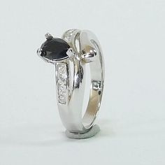 Top Quality Genuine Pear Cut Black Spinel in Solid 925 Sterling Silver Ring Black Spinel, Pear, Gemstone Rings, Fine Jewelry, Silver Rings, Engagement Rings, Gemstones, Sterling Silver, Top